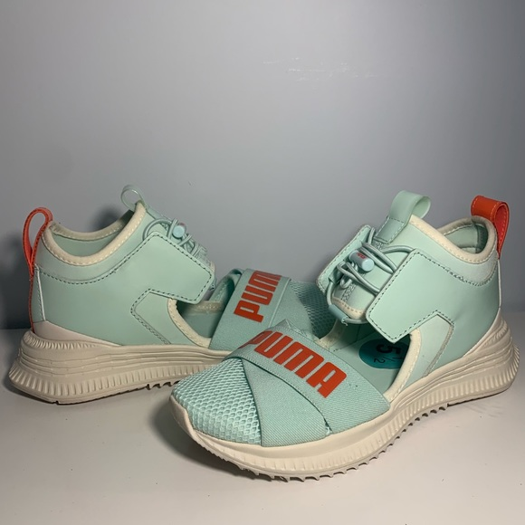 pictures of rihanna puma shoes